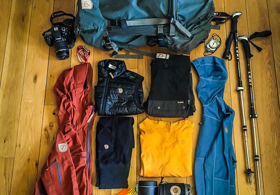HOW TO LAYER FOR HIKING